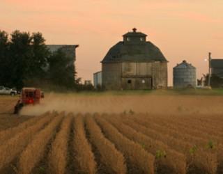 Missouri Farmers Sue Army for Destroying Farmland
