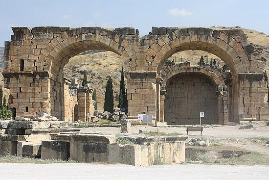 pamukkale cavern temple of apollo