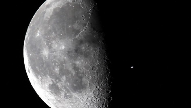 3 Dumbest Dark Side of the Moon Conspiracy Theories