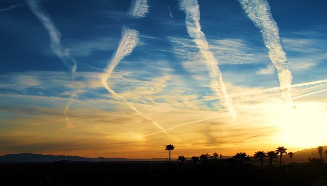 Contrails Conspiracy Theorists Need An Education on Air Traffic Patterns