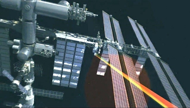 """NASA Beams """"Hello World"""" From Space Station With a Laser"""