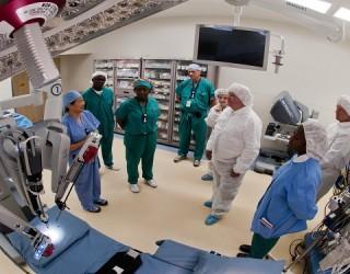 Dallas Hospital Executives Put Workers Ahead of Corporate Bonuses