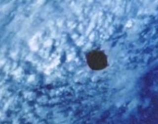 5 Mile Wide UFO Over Ocean: Or More Stupid Ufologists?