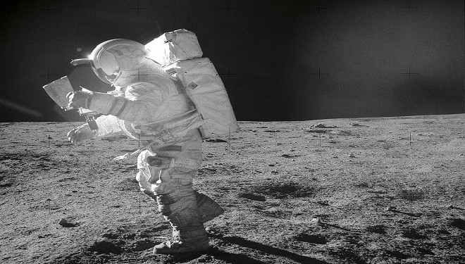 astronauts find structures on moon - photo #26
