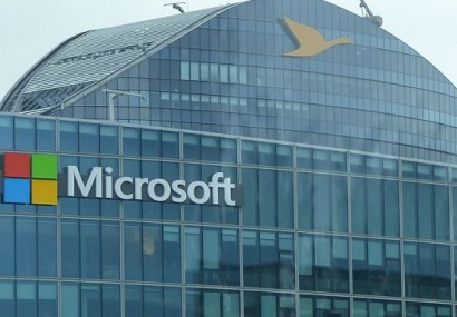 Will Microsoft Really Cure Cancer in 10 Years?