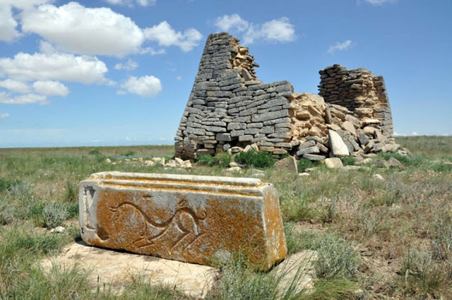 Image Credit: Archaeology News Network (https://archaeologynewsnetwork.blogspot.com/2016/11/mysterious-1500-year-old-stone-monument.html)