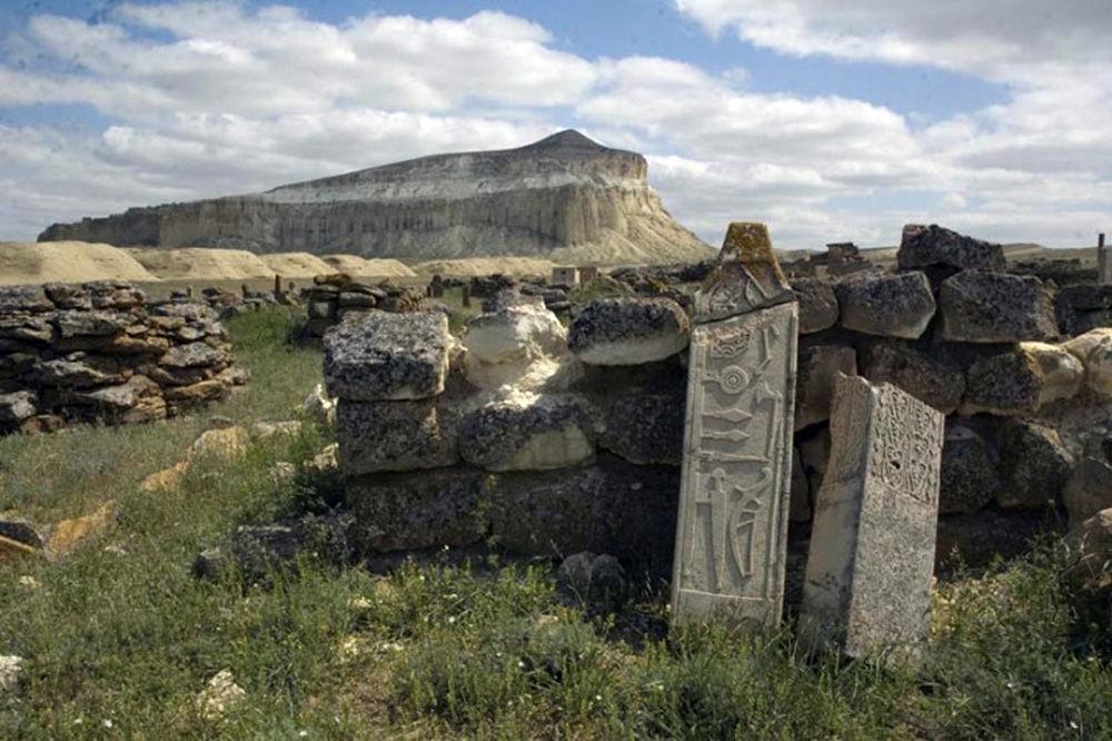huns stone complex